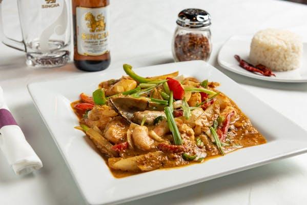 Stir-Fried Seafood Curry