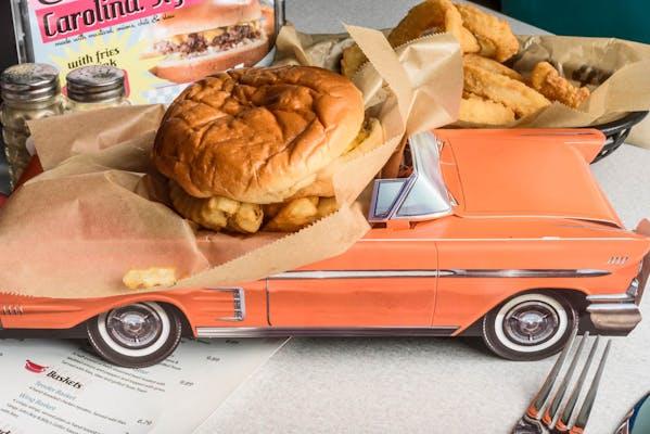 Kid's Cheeseburger