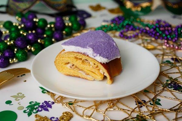 Cinnamon 'N Cream Cheese King Cake (GF)