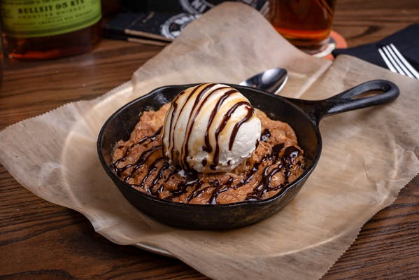 Salted Caramel Cookie Skillet