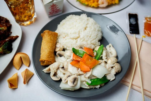 D2. Moo Goo Gai Pan Dinner