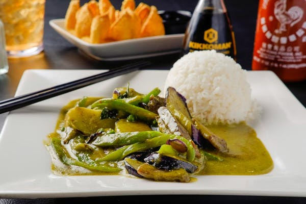 C6. Green Curry (Dinner)
