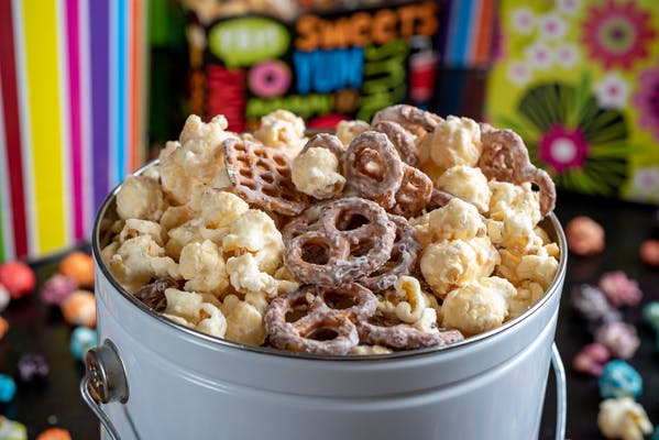 White Chocolate Pretzel Popcorn