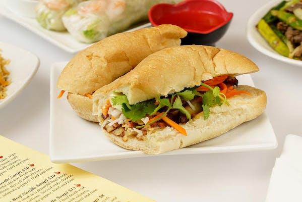 Bánh Mì Gà Nướng (Grilled Chicken Sandwich)