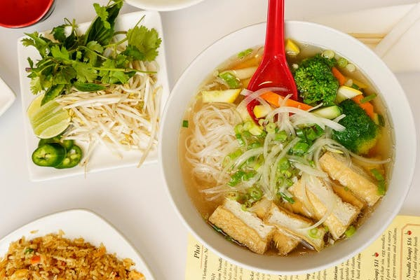 Phở Chay (Vegetarian Noodle Soup)