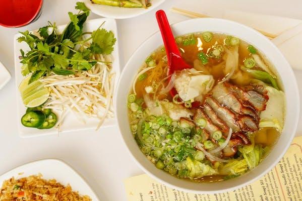 Mì Hoành Thánh (Wonton Noodle Soup)