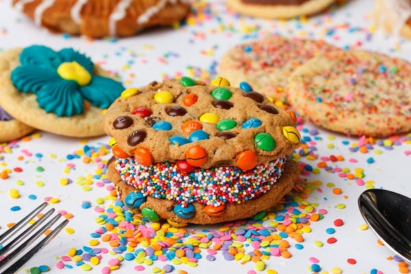 M&M Chocolate Chip Cookie Doozie