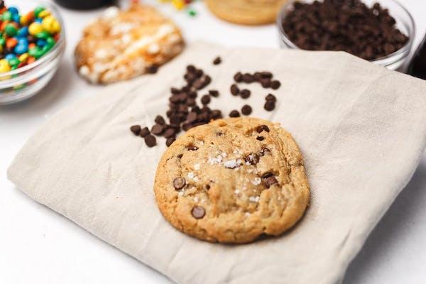 Sea Salt Peanut Butter Chocolate Cookie