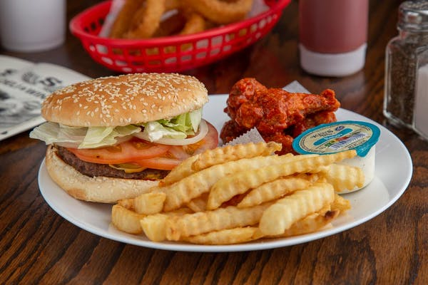 Cheeseburger & Wing Combo