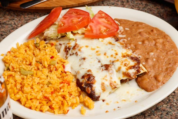 Enchiladas de Mole Plate