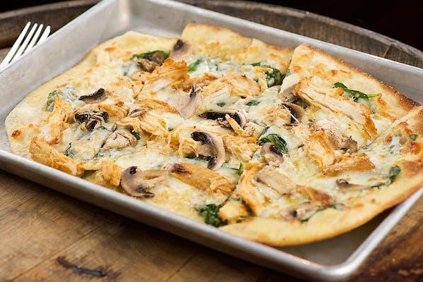 Smoked Chicken Florentine Pizza
