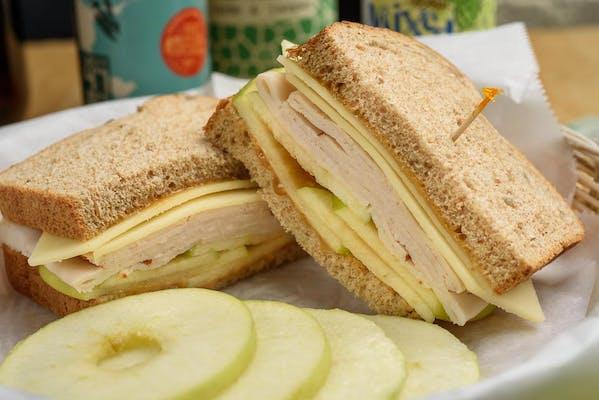 Turkey, Apples & White Cheddar Sandwich