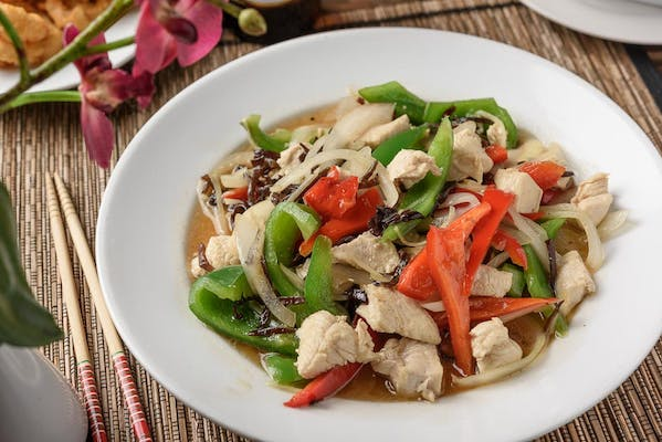 P20. Ginger & Bell Pepper Stir Fry (Pad Prik King)