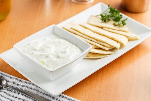 (8 oz.) Tzatziki & Chips