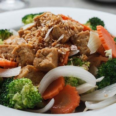 Vegan Peppery Garlic Tofu