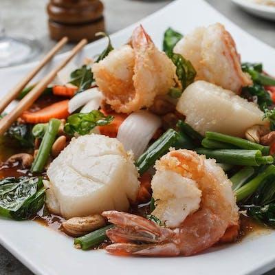 Cashew Shrimp & Scallops