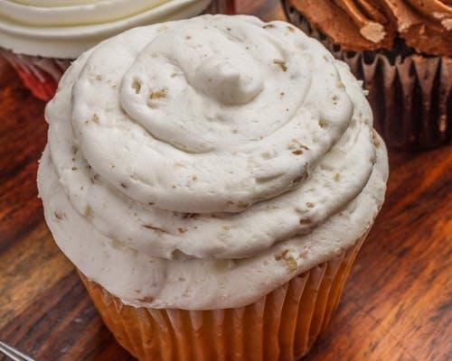 Stuffed Italian Cream Cupcake