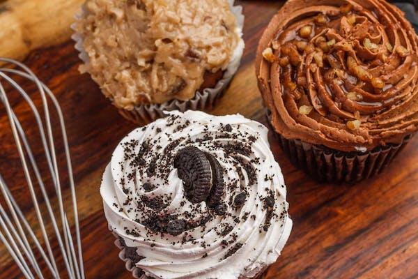 Stuffed Oreo Chocolate Cupcake