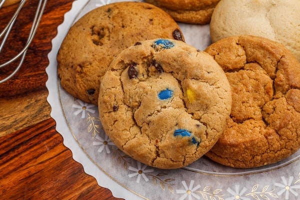 M&M's Chocolate Chip Cookie