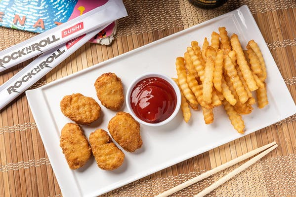Kid's Chicken Nuggets & Fries