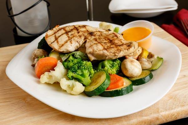Grilled Chicken & Steamed Vegetable Platter