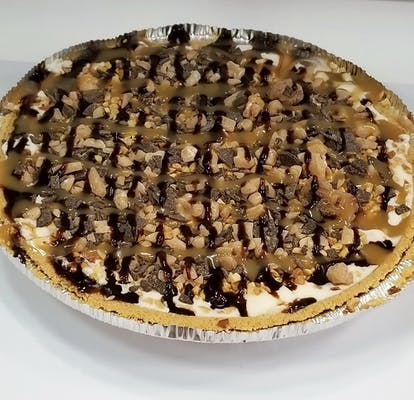 Turtle Cheesecake FroYo Pie