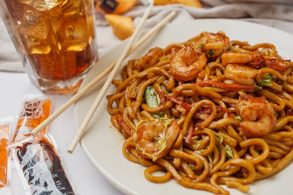 L33. Shrimp Lo Mein