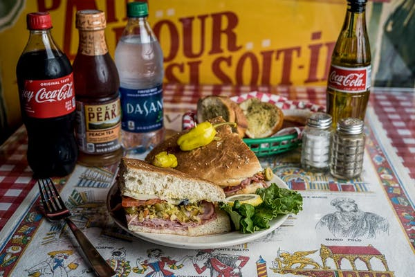 Sandwich Coca-Cola Combo
