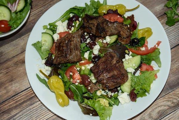 Grilled Mediterranean Beef Salad
