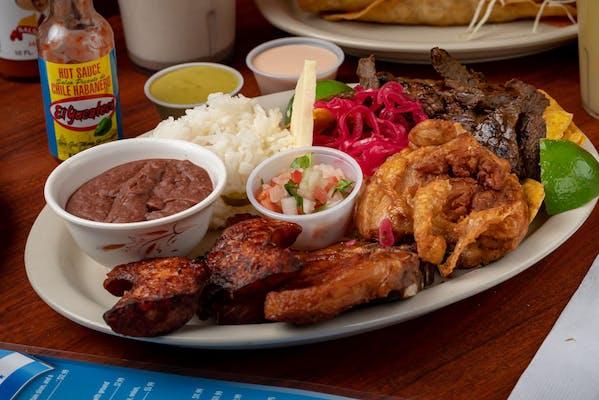 Parrillada Hondureña