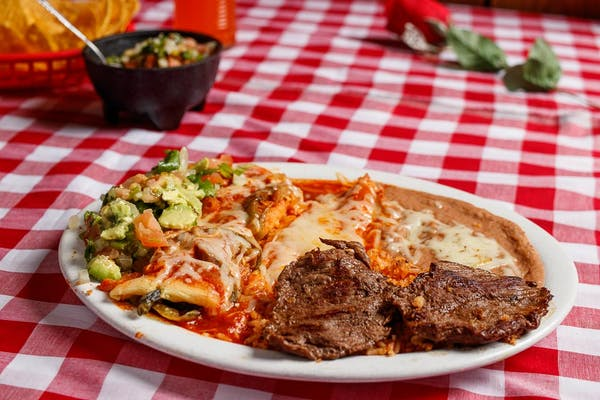 #9 Steak, Chile Relleno, Enchilada & Guacamole