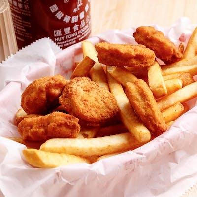 Kid's Chicken Nugget Dinner