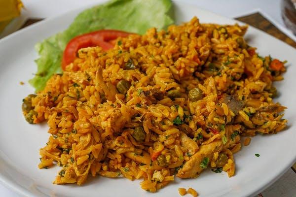 Arroz con Pollo (Spanish-Style Chicken & Rice)