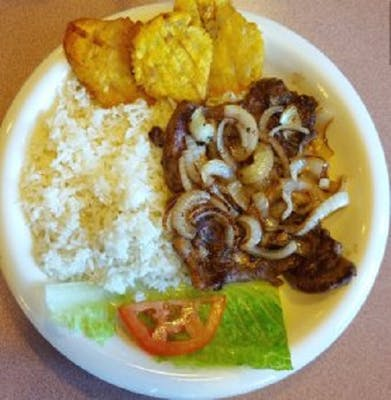 Bistec Encebollado (Grilled Steak with Caramelized Onions)
