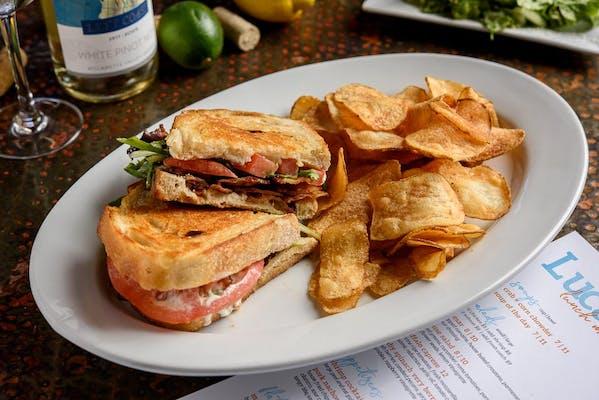 Lunch Classic BLT Sandwich