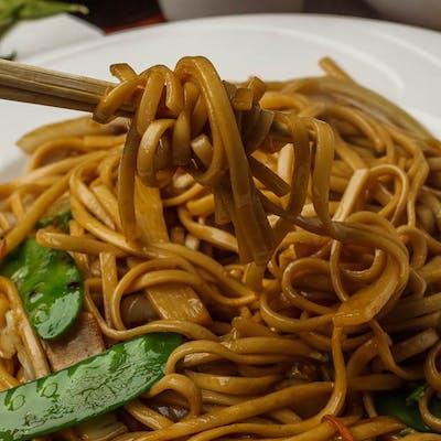M1. Chicken Lo Mein