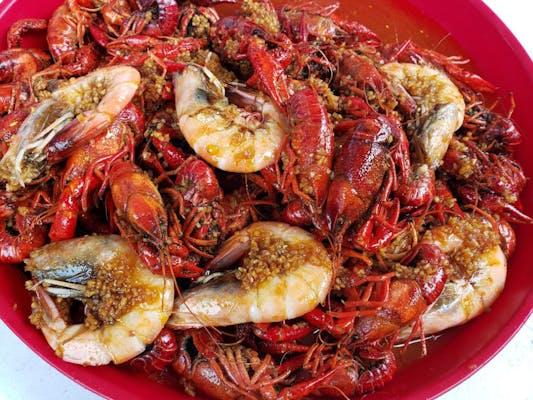 3lb Boiled Crawfish +  6 Boiled Shrimp