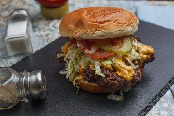Saw's Cheeseburger