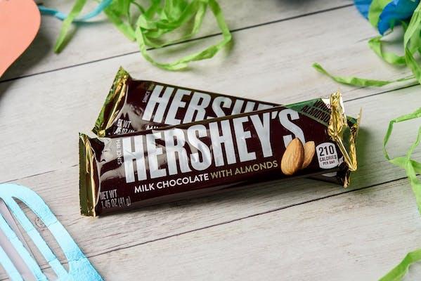 Hershey's Chocolate Bar with Almonds