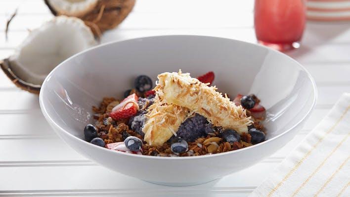 Granola, Fruit & Quinoa Power Bowl