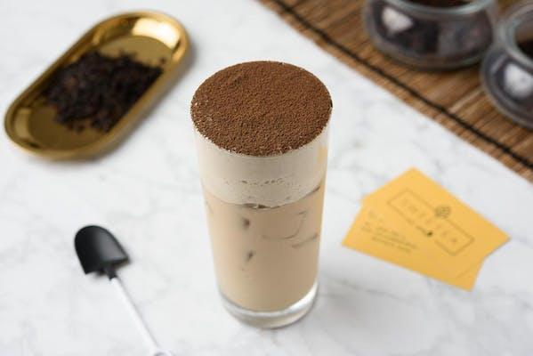 Roasted Oolong Milk Tea With Tiramisu Puff Cream