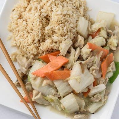 A3. Moo Goo Gai Pan Platter