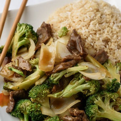 F2. Family Pack Broccoli Beef