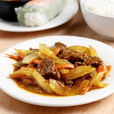 Curry Beef & Coconut Sauce