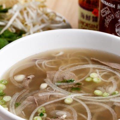 Pho Tai Nam Gau Gan Sach