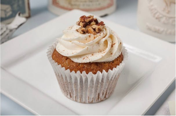 Humming Bird Cupcake