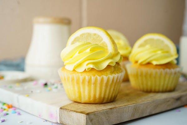 Lemon Blast Cupcake
