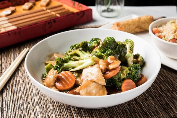 Chicken with Broccoli Plate
