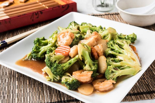 Shrimp with Broccoli Plate