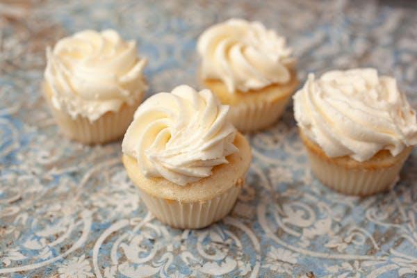 Vanilla Mini Cupcakes